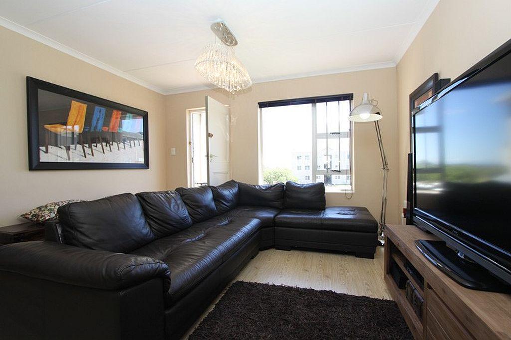 More Lounge